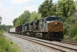 CSX 5485 and train Q370